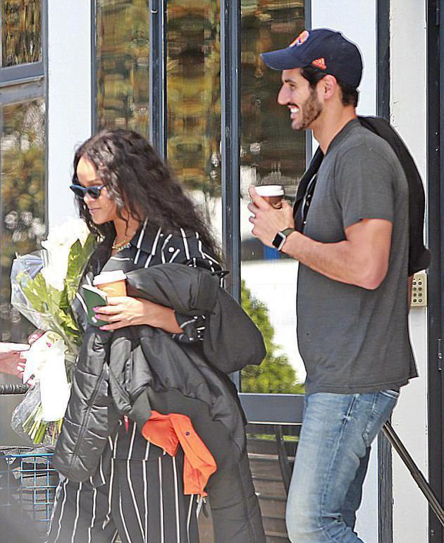 蕾哈娜被曝与富商男友分手 粉丝:希望你能幸福