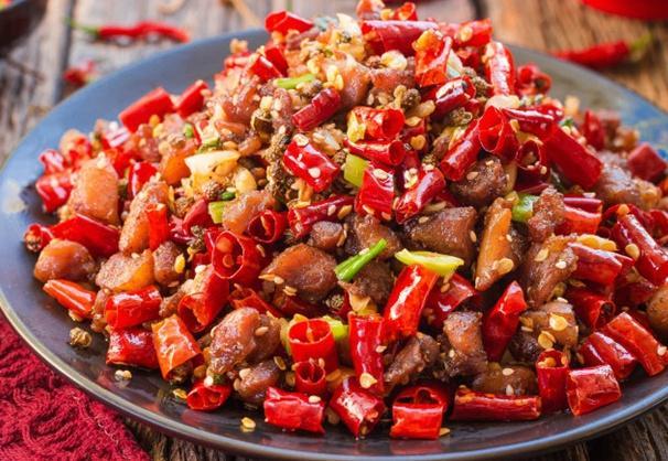 """大厨常说的""""热锅宽油""""是啥?很多人不懂,网友:难怪做饭不好吃"""